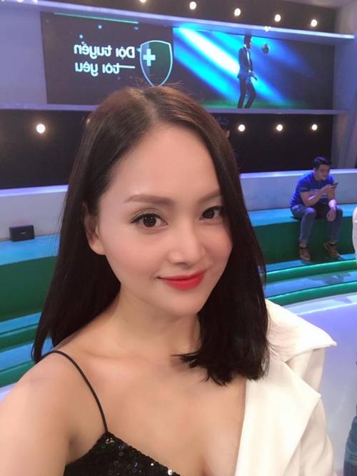 Ảnh hot 11/12: Thủy Tiên viết lời ngọt ngào mừng sinh nhật Công Vinh