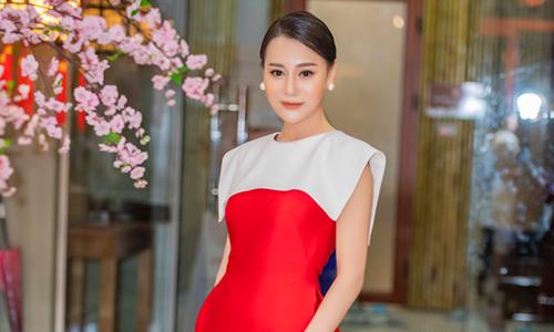 'Quỳnh búp bê' Phương Oanh sút 5 kg vì liên tục chạy show