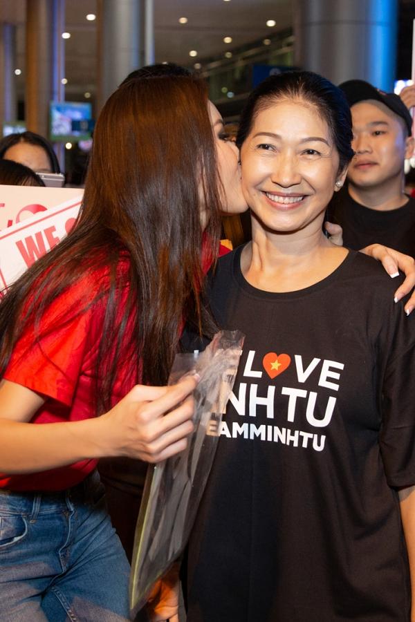 Minh Tú rủ fan đi bão ngay khi trở về từ Miss Supranational - 2