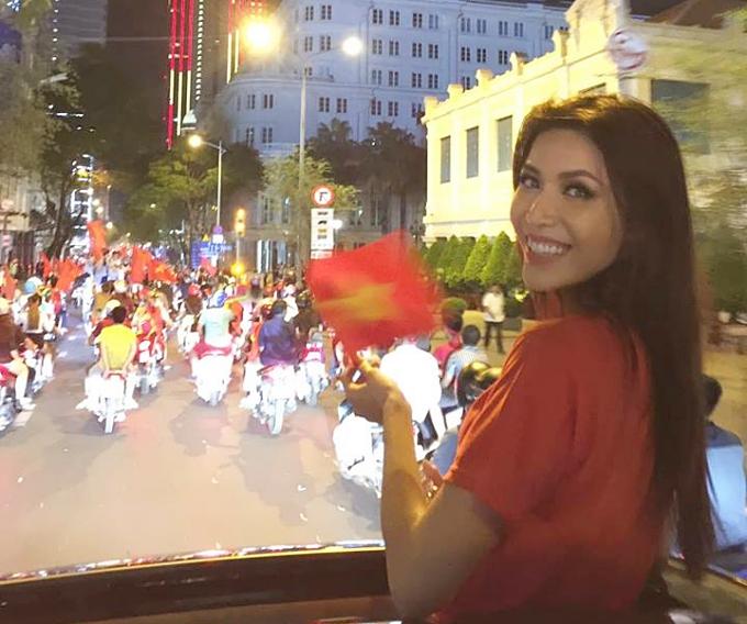 Minh Tú rủ fan đi bão ngay khi trở về từ Miss Supranational - 6