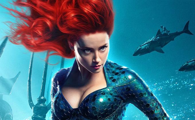 Theo nguyên tắc truyện tranh, Mera mang sức mạnh sánh ngang Aquaman và về sau họ trở thành cặp vợ chồng quyền uy dưới đáy đại dương. Tương tự trong phiên bản điện ảnh, nhân vật này sở hữu nhiều siêu năng lực nổi trội cùng sự thông minh,cá tính quyết liệt, lại được đạo diễn James Wan dành cho nhiều đất diễn khai thác. Ấn tượng cô để lại trong lòng khán giả cũng như vai trò của cô đối với câu chuyện phim không thua kém Aquaman.