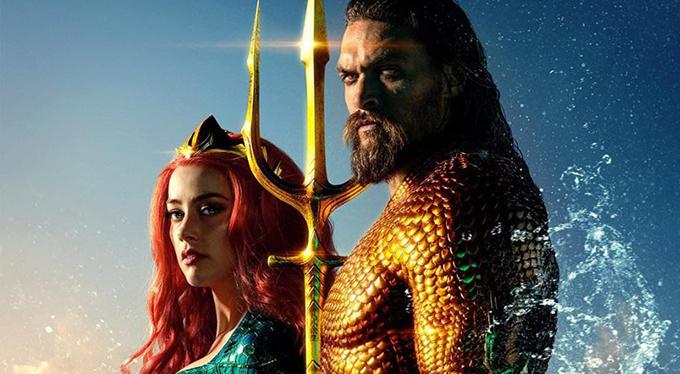 Aquaman (tựa Việt Aquaman: Đế vương Atlantis) làtác phẩm mới nhất của vũ trụ điện ảnh DC, xoay quanh cuộc phiêu lưu giành lấy ngôi vua vùng biển Atlantiscủa Arthur Curry- người anh hùng được tôn xưng là Aquaman. Sánh vai bên tài tử Jason Momoa, Amber Heard trở thành cái tên nổi bật của bộ phim với vai nữ chính - công chúa Mera.