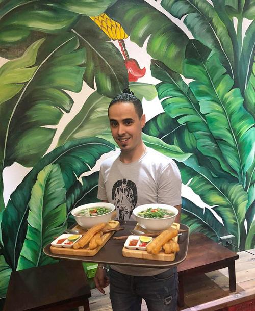 2 quán cà phê ở Hà Nội nơi fan dễ gặp Công Phượng, Quang Hải nhất - 8