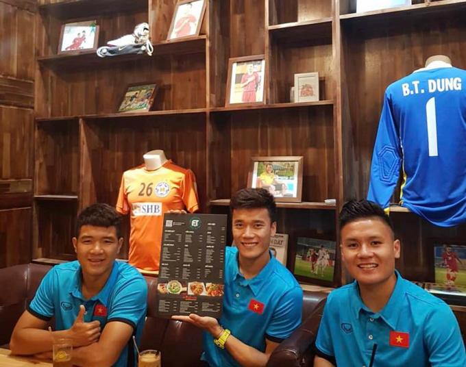 2 quán cà phê ở Hà Nội nơi fan dễ gặp Công Phượng, Quang Hải nhất - 9
