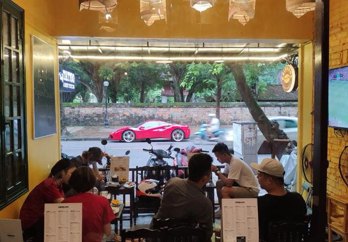 2 quán cà phê ở Hà Nội nơi fan dễ gặp Công Phượng, Quang Hải nhất - 6