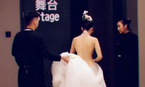 'Mai Siêu Phong' 60 tuổi lưng nuột như thiếu nữ
