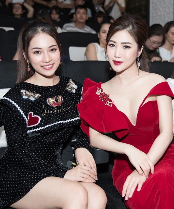 Sara Lưu - bạn gái mới của nhạc sĩ Dương Khắc Linh - một mình đi sự kiện.