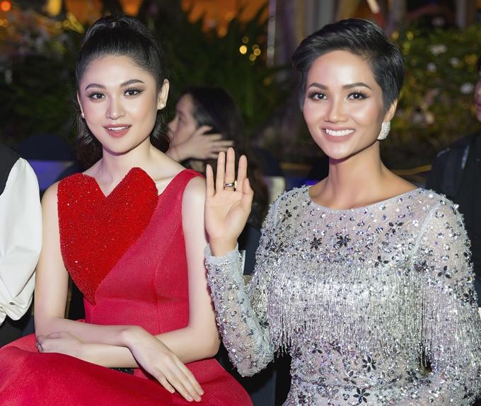 Dàn người đẹp Việt yêu thích phần thi bán kết Miss Universe - 1
