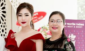 Mẹ Hương Tràm sẵn sàng chi tiền cho con gái làm liveshow