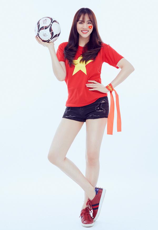 Diễn viên Trang Nhung hoạt động cùng thời với Đức Vĩnh trên sàn diễn. Hiện cô chuyển hướng sang lĩnh vực phim ảnh nhưng vẫn giữ mối quan hệ thân thiết với đồng nghiệp cũ.