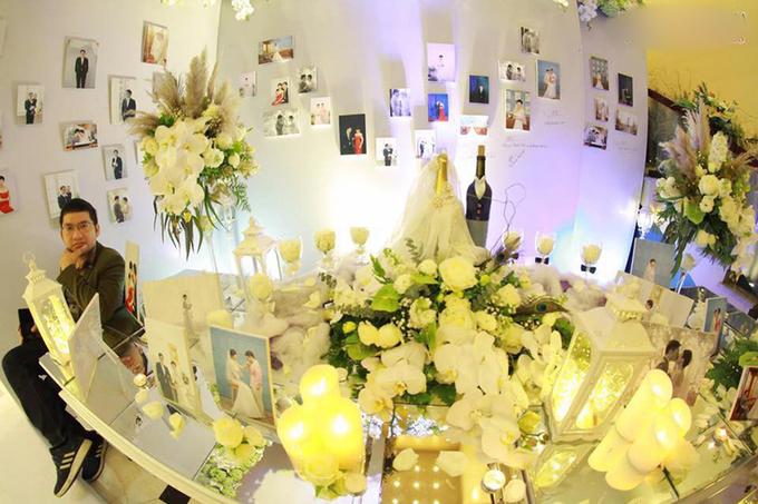 Sân khấu trang trí cầu kỳ của đám cưới ở Hải Phòng