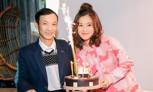 Bố Hoàng Yến Chibi hiếm hoi lộ diện bên con gái