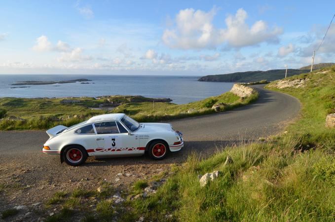 Mẫu xe Porsche 911 - khoản tiêu xài lớn đầu tiên của Bill Gatessau khi Microsoft phát đạt. Ảnh: H&H Classics.
