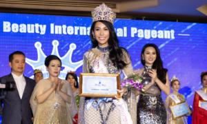 Siêu mẫu Trương Hằng đăng quang Hoa hậu Việt Nam quốc tế 2018