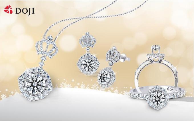 Trong không gian lễ hội ngập tràn ánh sáng và âm nhạc, những thiết kế trang sức kim cương nằm trong BST mới nhất của thương hiệu DOJI Queen of Hearts sẽ tôn vinh vẻ đẹp quyền năng, tạo phong cách đẳng cấp cho các nàng khi xuất hiện. Ngoài ra, trang sức DOJI còn mang đến cho các tín đồ những viên kim cương giá hấp dẫn. Xem chi tiết tại đây.