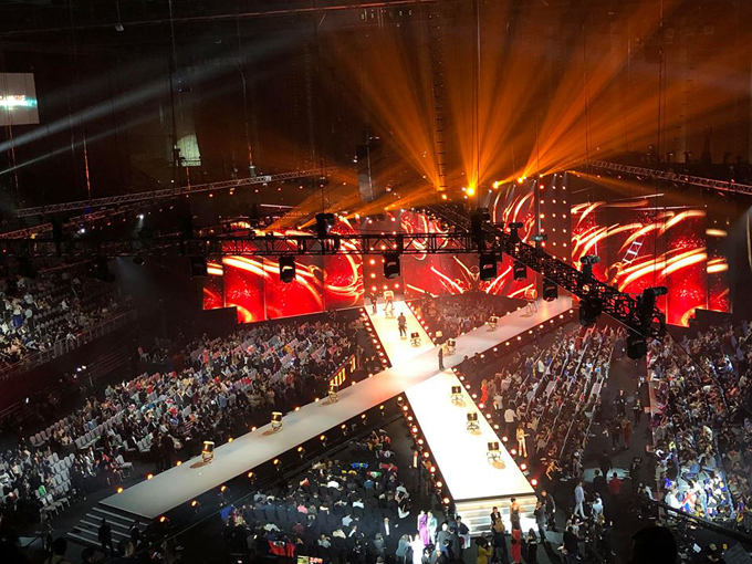 Sân khấu IMPACT Arena trước giờ chung kết.