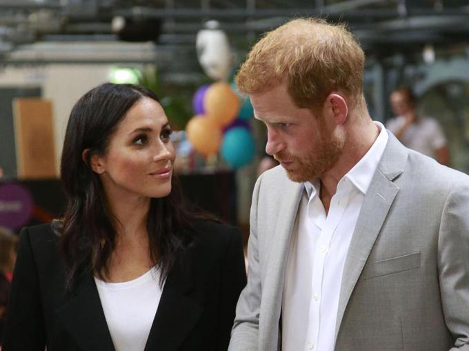 Meghan bảo Harry hắt hủi William và không đi săn cùng hoàng gia