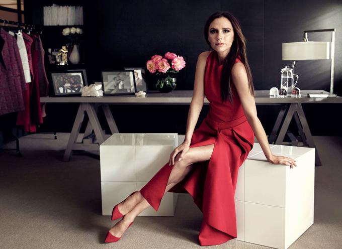 Nhà thiết kế  Victoria Beckham.