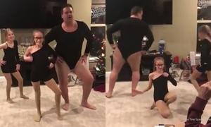 Ông bố to béo vụng về nhảy múa cùng con gái