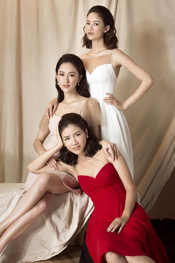 Ba chị em cùng khoe nhan sắc trong những thiết kế tối giản, gam màu đa dạng.