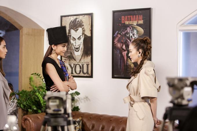 Tại phòng chờ, Minh Hằng khuyên Thanh Hằng nên thể hiện sự công bằng giữa các thí sinh. Theo cô, tại tập 7 Mạc Trung Kiên không phải là người yếu nhất, thí sinh này có cơ hội tiến xa.