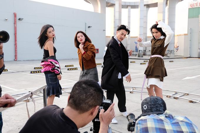 Team Minh Hằng khá vất vả để có những khung hình trọn vẹn với số lượng 4 thành viên, nhưng thời gian lại có hạn. Mỗi thí sinh chỉ có khoảng vài phút để ghi hình.