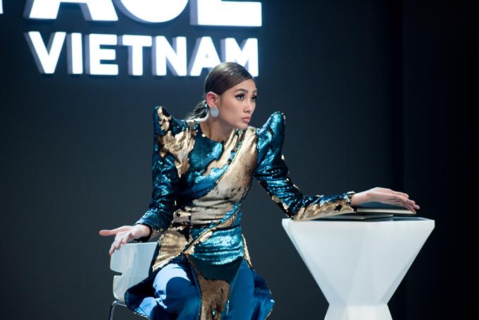 Võ Hoàng Yến nhận được nhiều lời khen ngợi từ phía khách hàng và trở thành người chiến thắng ở tập này.