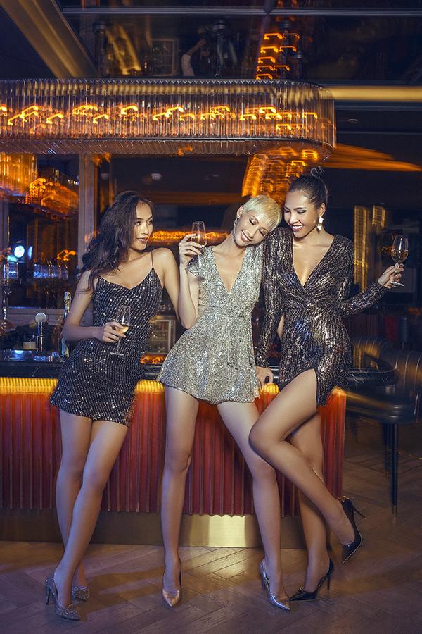 Theo nhà mốt Việt, disco còn mở đầu cho làn sóng phi giới tínhtrong thời trang từ đó giải phóng và ủng hộ quyền bình đẳng cho người đồng tính.