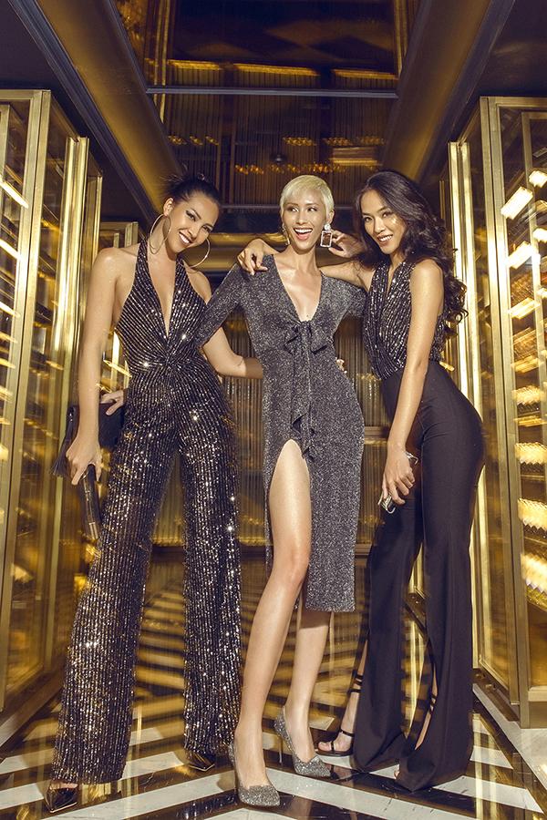 Cùng với các mẫu váy xẻ sexy nhiều kiểu jumpsuit, quần ống rộng cũng được nhà mốt biến hoá ấn tượng tạo nên set đồ mang đến sự sang chảnh cho người mặc.