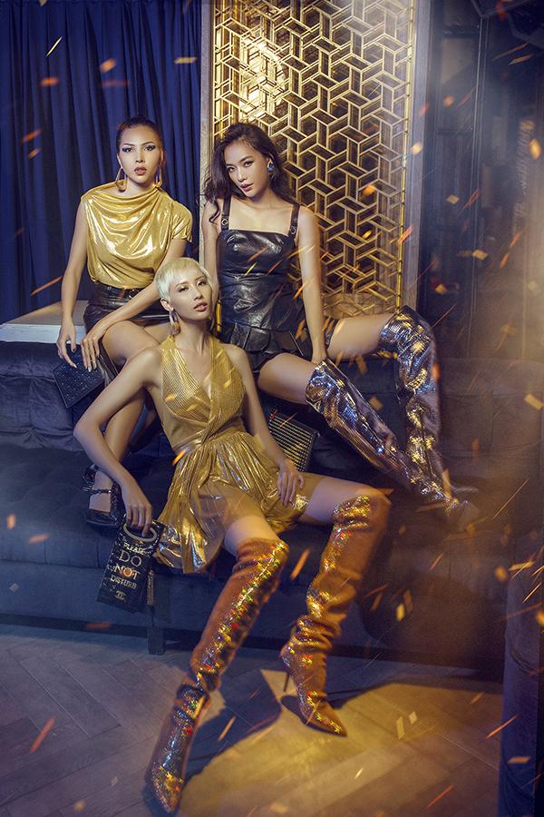 Bộ ảnh được thực hiện với sự hỗ trợ của nhiếp ảnh Quang Khuê, stylist Trần Hoài Trang, trang điểm Nguyễn Hoàng Quân, người mẫuMinh Triệu, Thoại Tiên, Hằng Nguyễn.