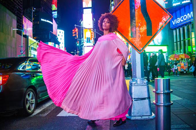 Bộ ảnh được thực hiện với sự hỗ trợ của nhiếp ảnh Duke Wiin, người mẫu Stacy Lee.