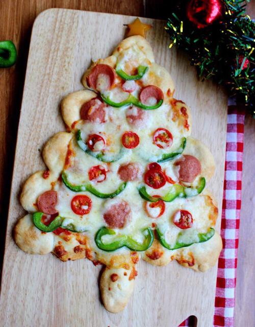 Pizza hình cây thông đón Giáng sinh - 1