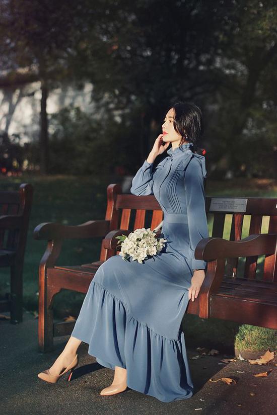 Váy bèo nhún dành riêng cho các bạn gái yêu phong cách bánh bèo và muốn tôn nét điệu đà khi đến văn phòng.
