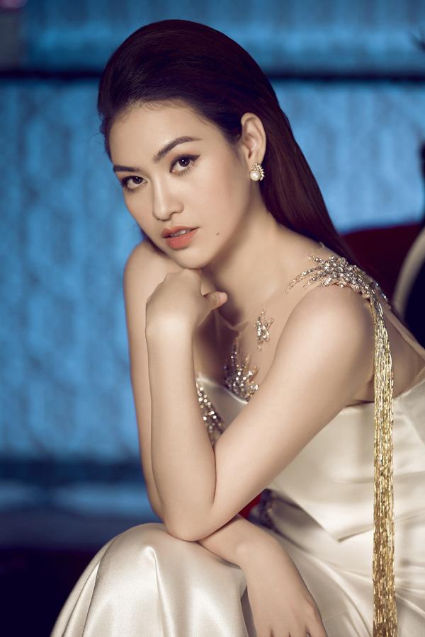 Bộ ảnh do chuyên gia trang điểm Bảo Bảo và styist Kun Chai hỗ trợ thực hiện.