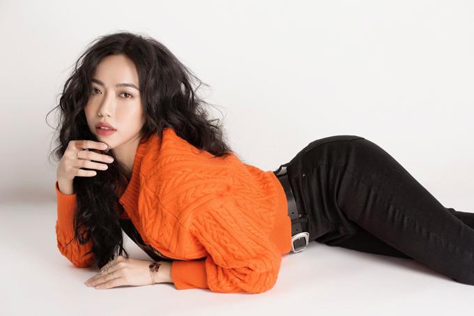 Sau thời gian dài bận rộn với công việc,Diệu Nhi trở lại với hình ảnh sang chảnhtrong bộ ảnh thời trang mới nhất.