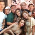 Ảnh hot 19/12: Hà Hồ nghịch ngợm pose hình bên Kim Lý