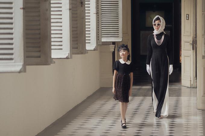 Những mẫu áo dài cổ điển luôn gắn liền với hình ảnh quý phái của phụ nữ Sài Gòn xưa. Những quí bà, quí cô sành điệu cùng trào lưu thời thượng nhưng luôn trân trọng vẻ đẹp của trang phụctruyền thống.