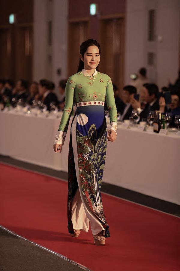 Top 8 Hoa hậu Trái đất 2018, Nam Em trở lại sàn catwalk sau khi giảm cân thành công.