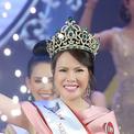 Thạc sĩ 49 tuổi bất ngờ đăng quang Mrs Vietnam 2018