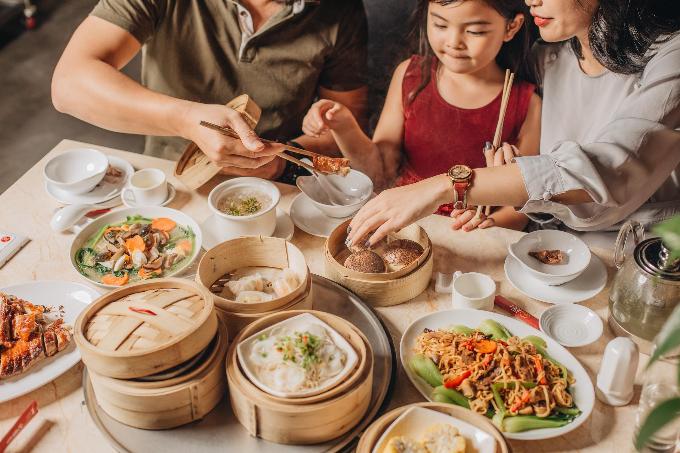 Bạn và người thân sẽ có bữa ăn thỏa thích, ấm cúng mùa lễ hội.