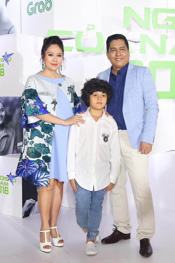 Vợ chồng Đức Thịnh - Thanh Thúy và con trai Cà Phê.