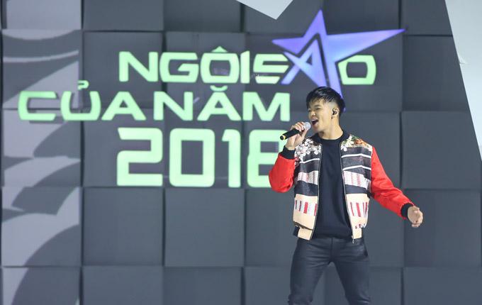 Thu Minh nóng bỏng trên sân khấu gala Ngôi sao của năm 2018 - 10