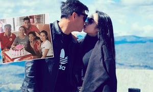 Tiến Linh đưa bạn gái về nhà mừng sinh nhật mẹ sau AFF Cup