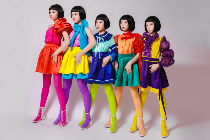 Asian Kids Fashion Week được tổ chức lần đầu tiên vào năm 2017,trở thành sự kiện thời trangthu hút đông đảo nhà thiết kế, mẫu nhí trong và ngoài nước tham gia.