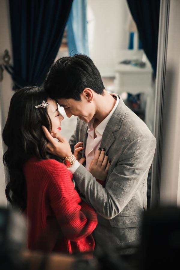 Quỳnh Kool cũng tham gia MV Không phải em đúng không với vai người thứ ba. Gần đây cô liên tục xuất hiện trên màn ảnh nhỏ trong các phim Quỳnh búp bê, Mẹ ơi, bố đâu rồi.