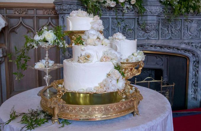 Những chiếc bánh cưới ấn tượng của sao năm 2018