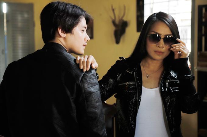 Vai nữ giang hồ cũng là một món quà mà Hồng Ngọc dành tặng cho fan bởi họ vẫn thường gọi cô bằng nickname Đại ca Sài Gòn.
