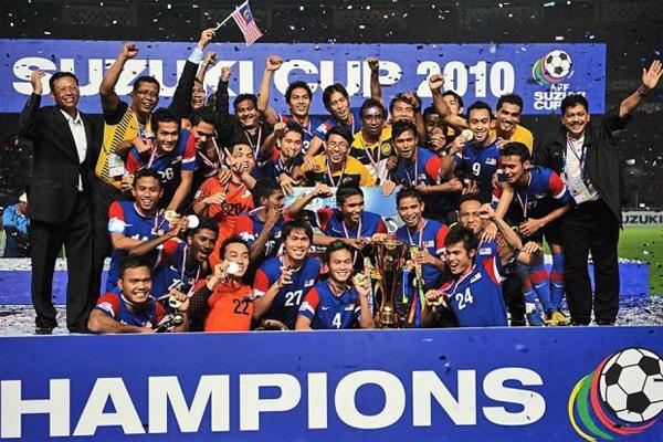 Vượt qua Indonesia 4-2 qua lại lượt trận chung kết, Malaysia lần đầu đăng quang AFF