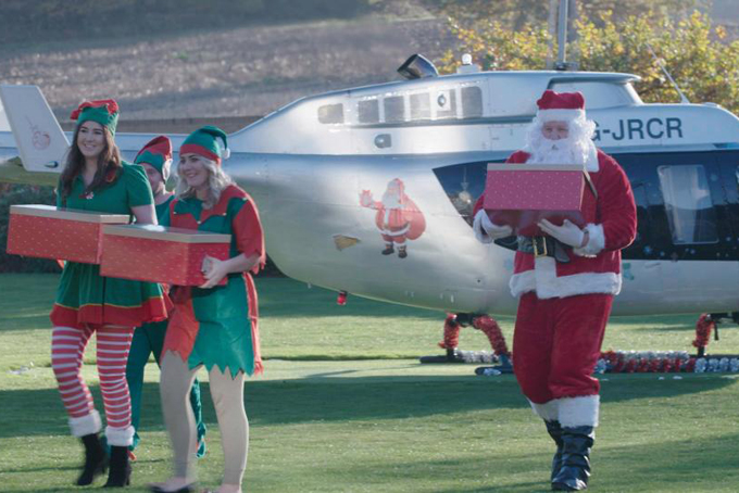 Trong chương trình Billionaire Babies At Christmas (Tạm dịch: Những đứa trẻ tỷ phú đón Giáng sinh), một số món quà khủng mà các cậu ấm, cô chiêu con nhà tỷ phú ở Anh nhận được dịp Giáng sinh dần hé lộ.