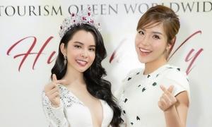 Hoa hậu Huỳnh Vy diện váy xẻ ngực lấn át Khánh Phương